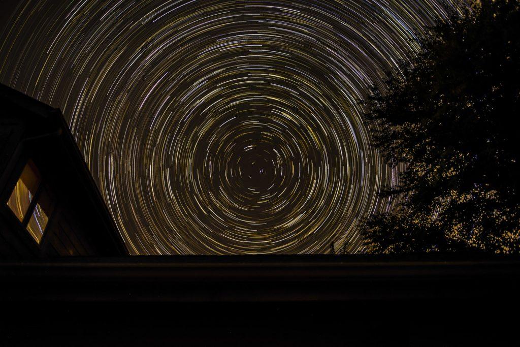 هفت شایعه نجومی که صحت ندارند